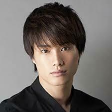 鈴木伸之 短髪ショートのアップバングの髪型やパーマは似合っ